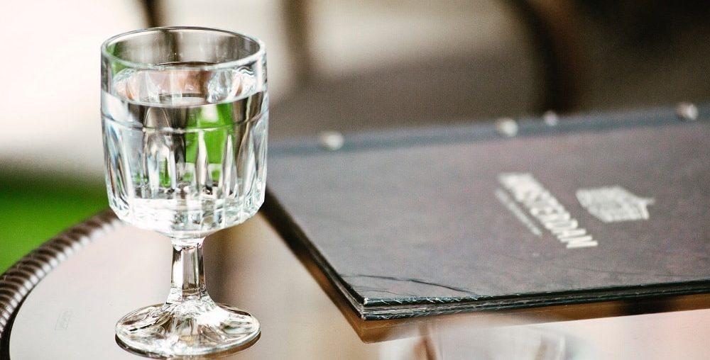 9 серьезных причин чаще пить воду
